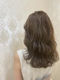 【ミルクティベージュ 】20代 ダブルカラー モテ髪 美髪